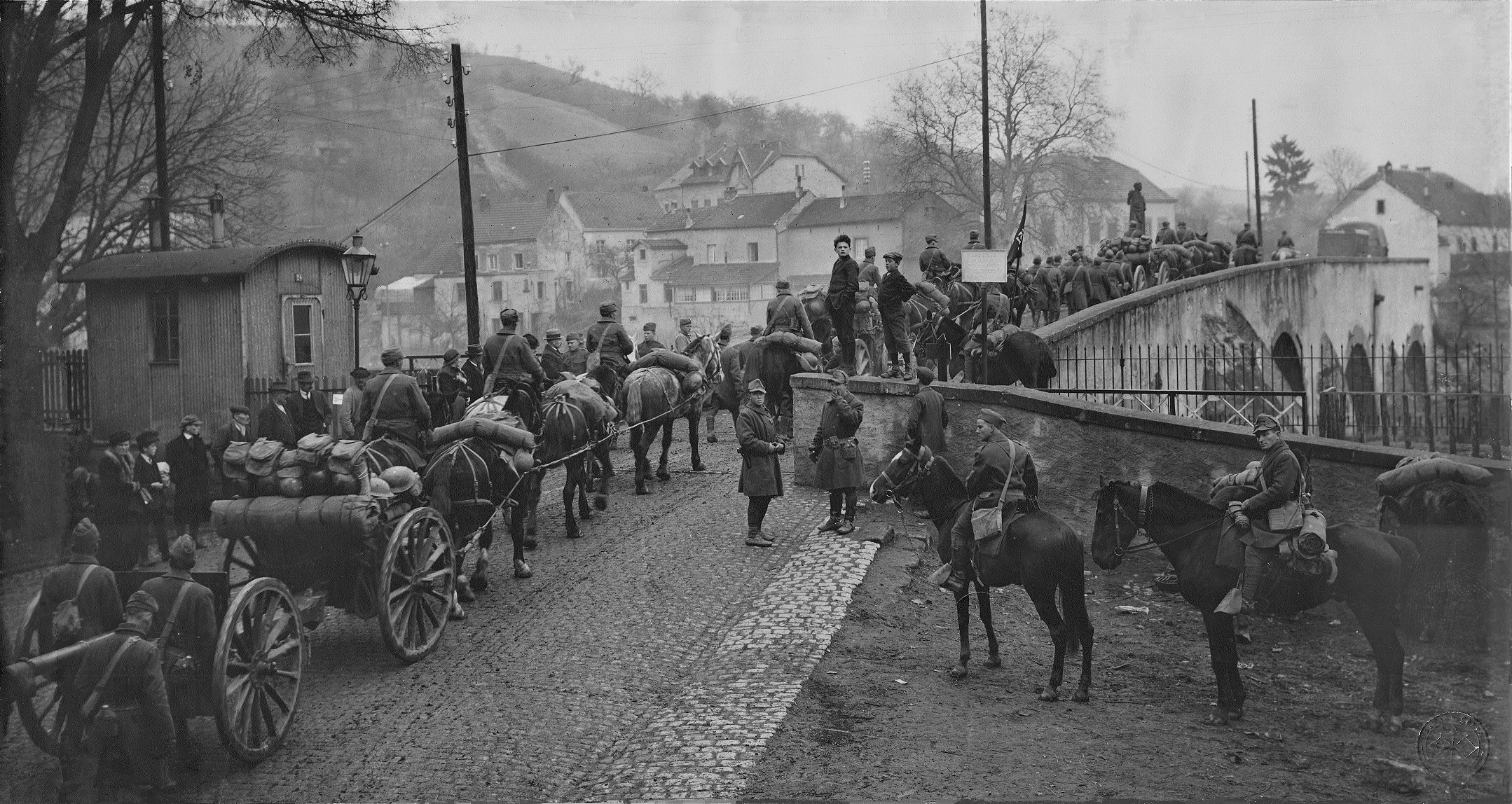 151 FA Crossing German border, 1918